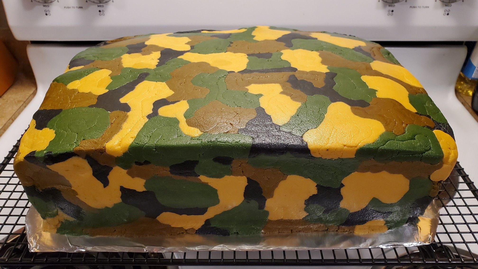 Camo Birthday Cake #crustingbuttercream