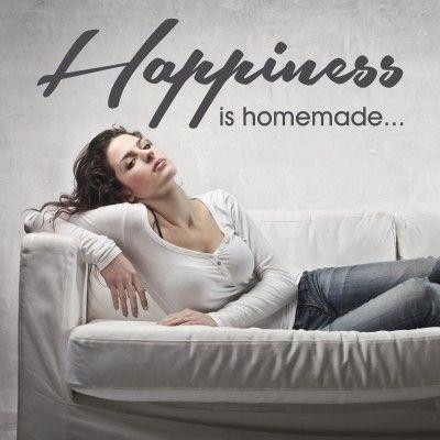"""Adesivo Murale - Happiness.  Adesivo murale di alta qualità con pellicola opaca di facile installazione. Lo sticker si può applicare su qualsiasi superficie liscia: muro, vetro, legno e plastica.  L'adesivo murale """"Happiness"""" è ideale per decorare il vostro soggiorno. Adesivi Murali."""