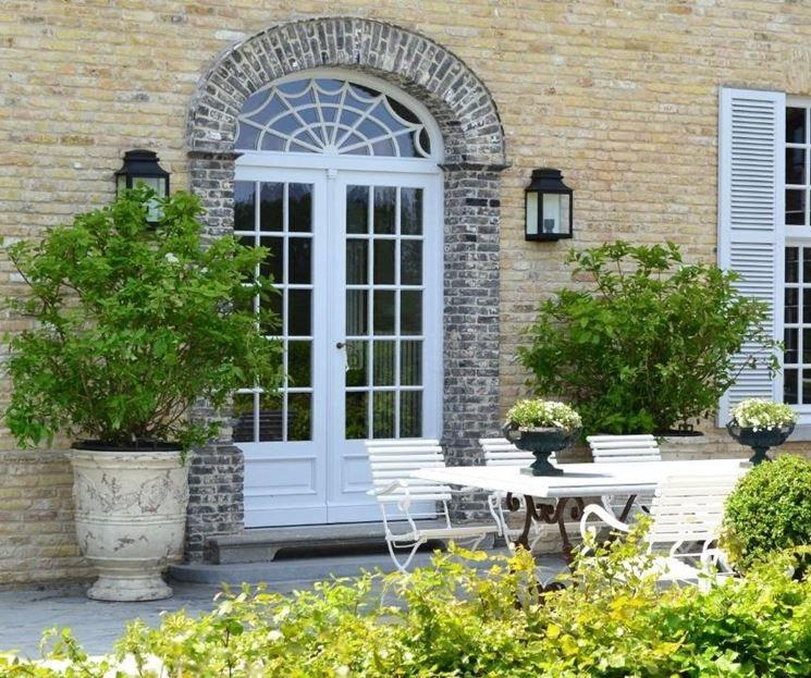 Vasi da terrazzo | CLASSIC GARDENS | Pinterest | Terrazzo, Vasi e Piante