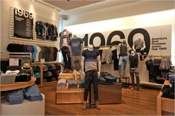 Gap store interior w mannequins broken tablet location for Garage ad gap