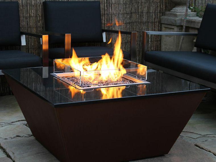 Gartentische Originelle Ideen Zum Verzieren Im Fruhling Feuerstellen Tisch Feuerstelle Gartentisch