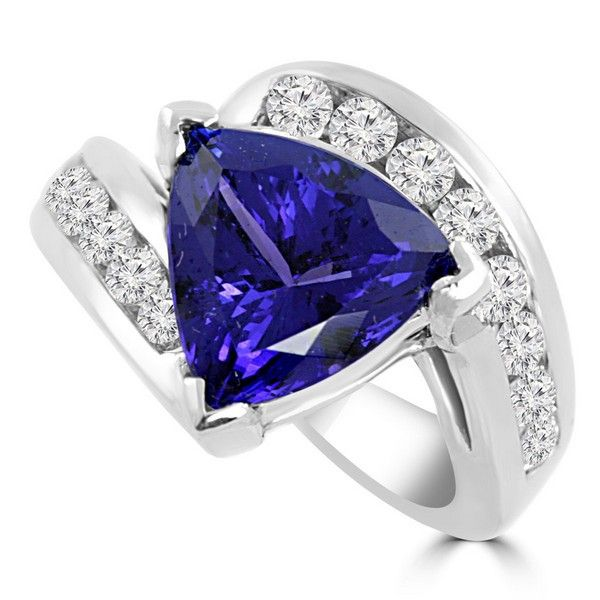 0b1716b24d773 6.44ct Trillion-Cut Tanzanite & Diamond Cocktail Ring | Tanzanite ...