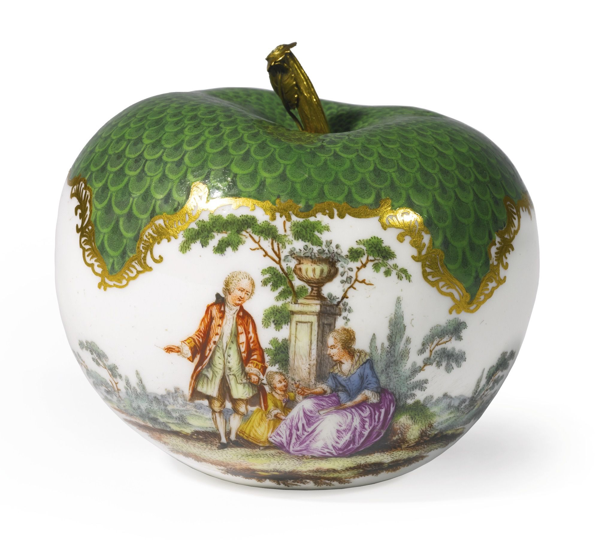 A Meissen gold-mounted apple-form scent bottle - circa 1760 - painted on the front and reverse with a couple and their little girl in a rural landscape beneath the green trellis border. height 2 7/8 in. 7.4 cm