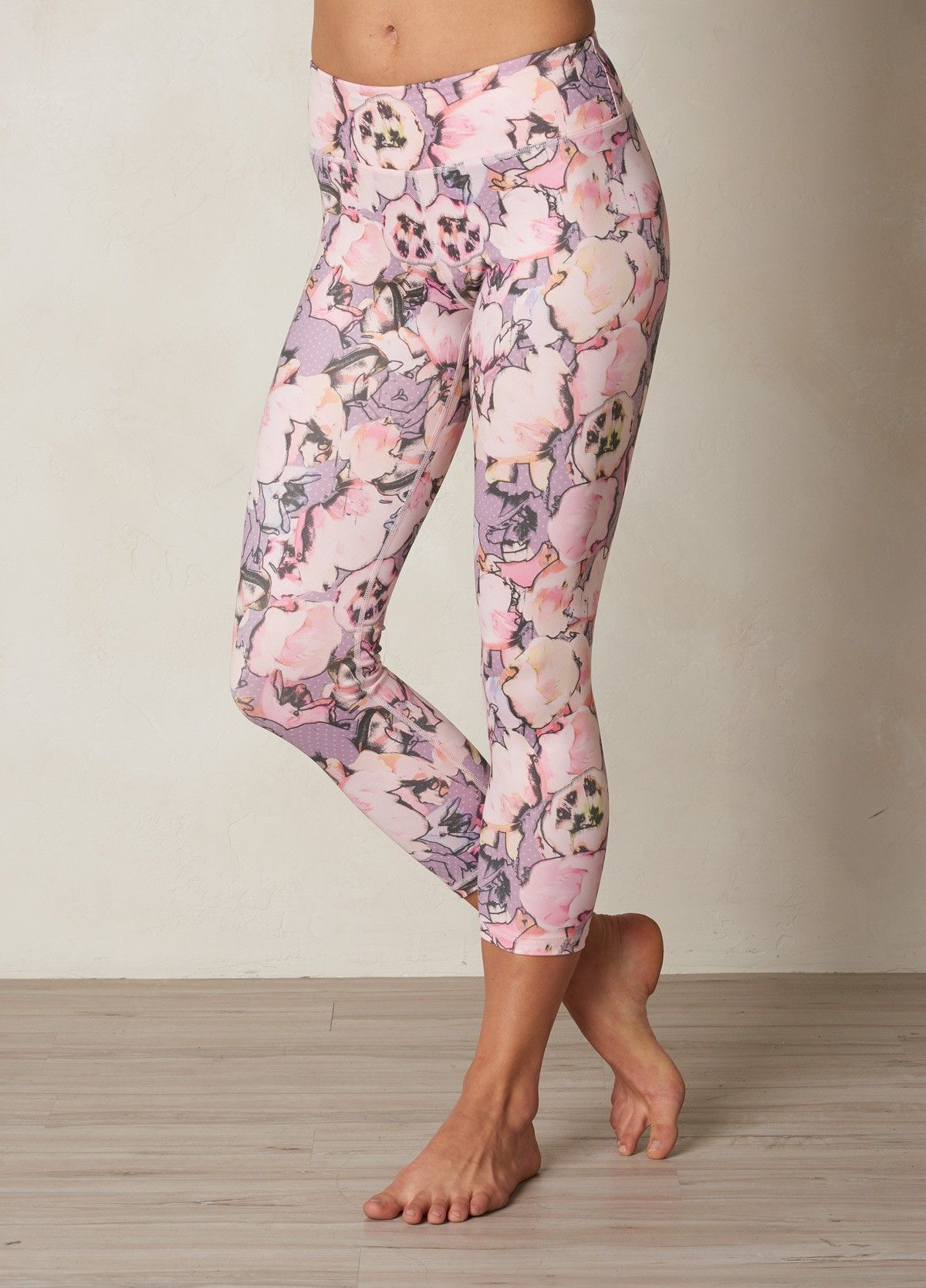 I Love The Prana Roxanne Printed Legging Check It Out And More At Www Prana Com Printed Leggings Yoga Pants Women Clothes Design