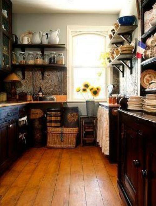 love the light wood floor and the dark wood cupboards | Cocina ...