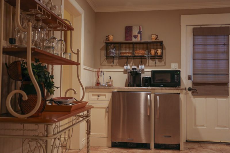 Kelly S Creekside Erin S Escape Fredericksburg Bed And Breakfast Fredericksburg Bed And Breakfast Bed And Breakfast Home Decor