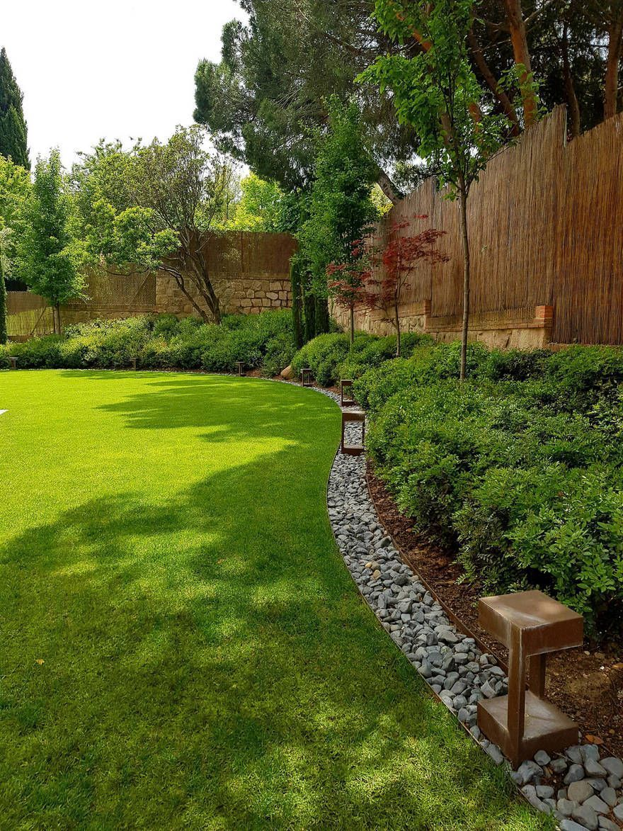 20 Easy Landscaping Ideas For Your Front Yard Landscapingyourfrontyardideas Pathway Landscaping Small Backyard Landscaping Easy Landscaping Backyard garden edging ideas