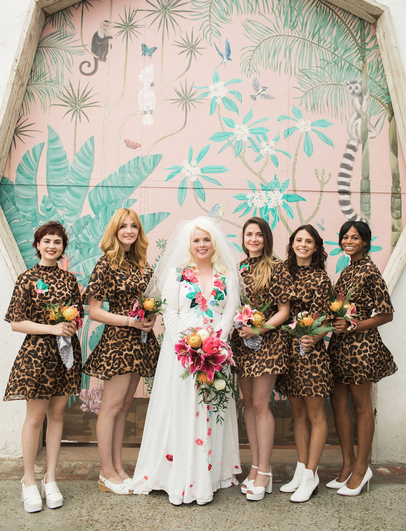 Modern Meets Eclectic At This 1970s Inspired Wedding In Los