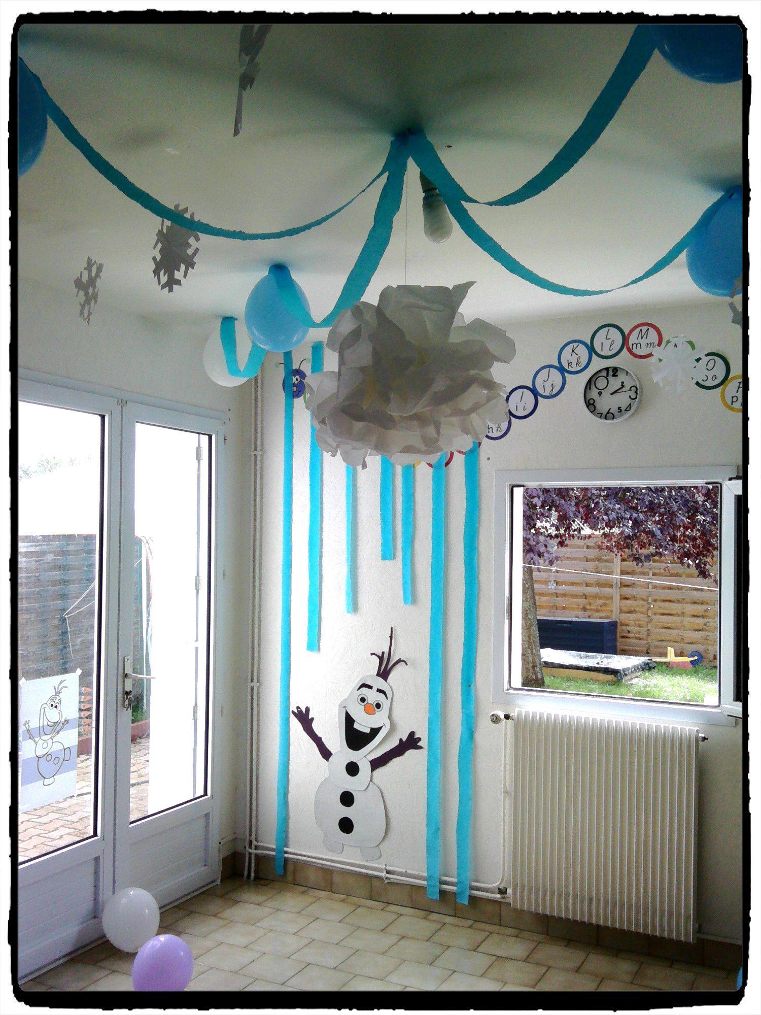 anniversaire la reine des neiges avec la famille id e deco chambre filles reine des. Black Bedroom Furniture Sets. Home Design Ideas