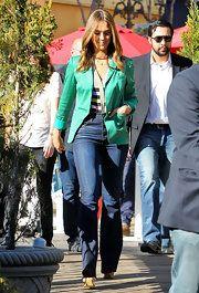 ffd665145c944 Jessica Alba Flare Jeans | Style - pants | Jessica Alba, Jessica ...