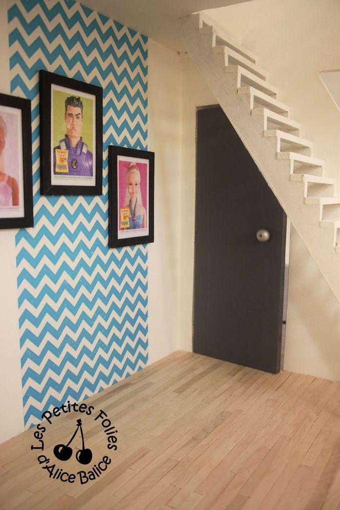 Maison de Barbie - # 4 : fin de la décoration et escalier | Maison barbie, Maison de poupée ...