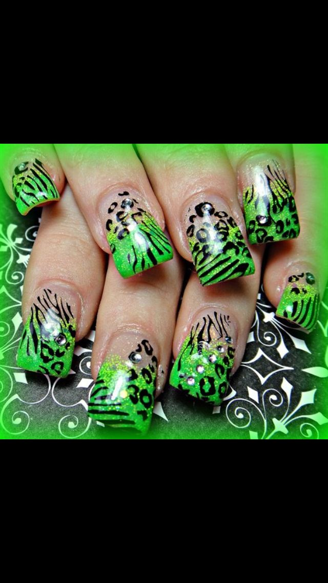 Green animal print nails | uñas | Pinterest | Unas acrilicas, Para ...