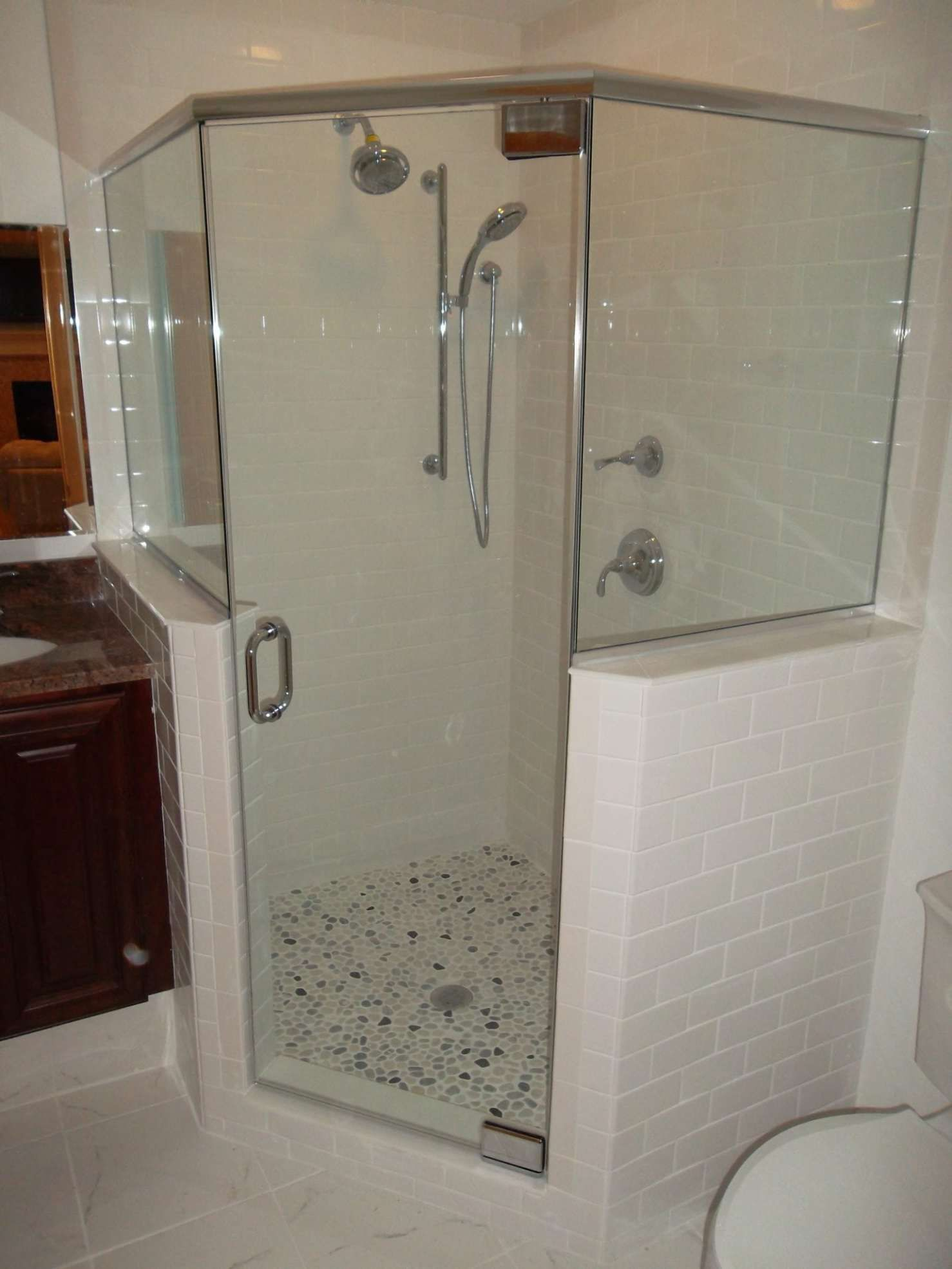 Frameless Shower Enclosure Neo Angle With Two Buttress Knee
