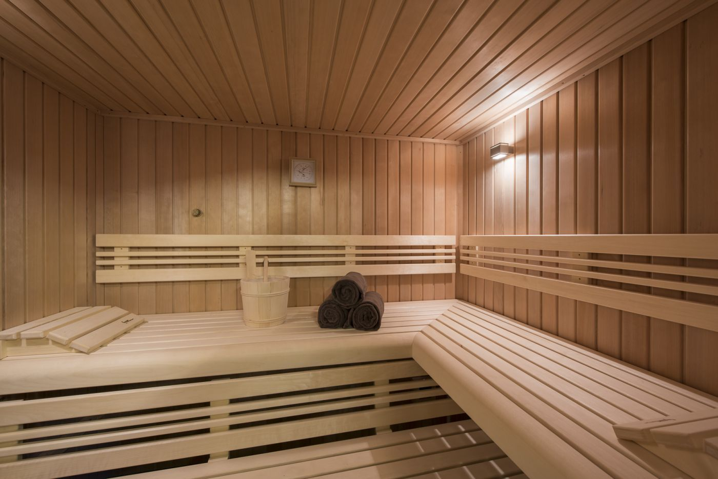 Best Pin By Shane Gatehouse On Saunas Chalet Verbier French 400 x 300