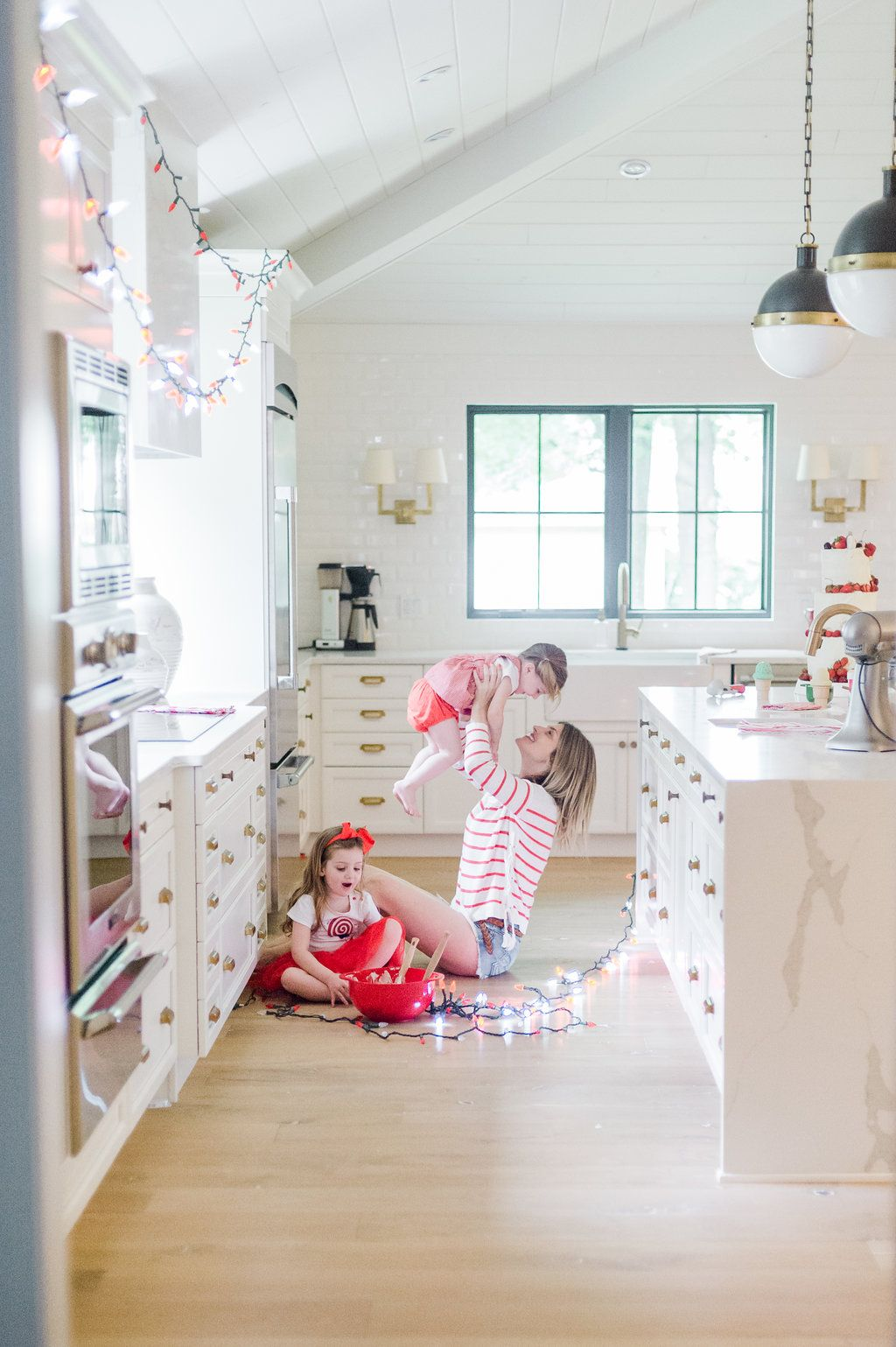 7 Canada Day Family Photo Shoot Ideas Modern french