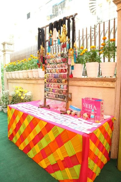 Mehndi home decor elegance events pictures mehndi Home decoration with bangles