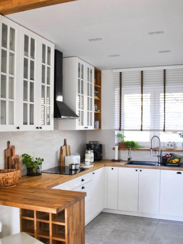 Kitchenette Blafarde Et Pinede Nordique Kitchenette Blafarde Et Pinede Pavage Au Sol Compte De Obligation In 2020 Cuisine Ikea Kitchen Cabinets Ilot Central Cuisine