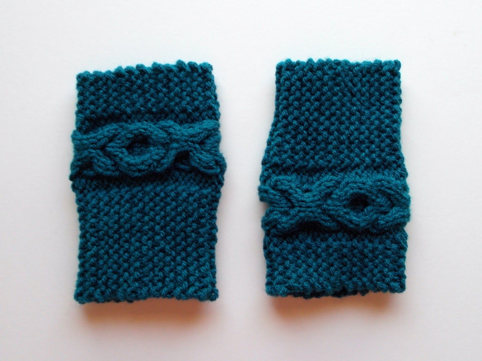 Picture of cable boot cuffs knitting pattern gratis stickmnster picture of cable boot cuffs knitting pattern bankloansurffo Choice Image