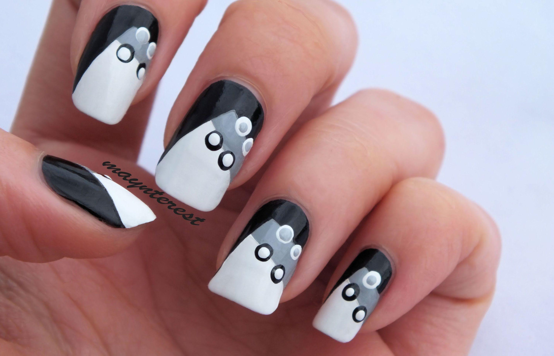 Diseño de uñas con puntos blanco y negro / Dots nail art white&black ...