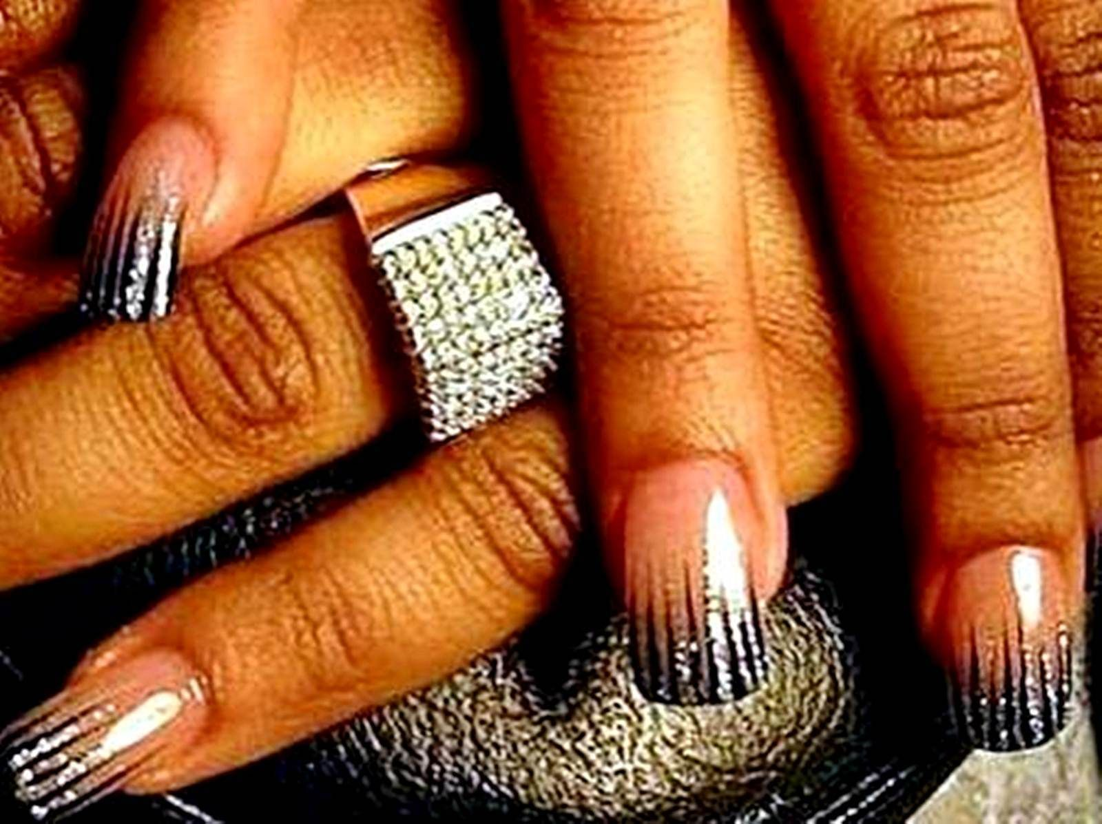 Gel Nail Designs With Glitter Black Glitter Gel Nails Designs 2011