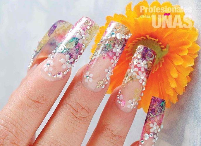 Diseño En Uñas Nails Un Regalo Hermoso Para Una Mujer