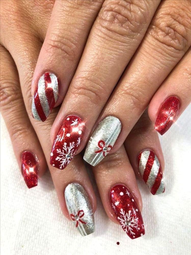 40 Amazing Christmas Nail Art Design Ideas | Ecemella #holidaynails