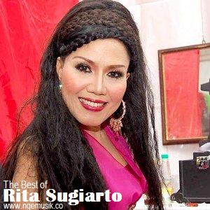 rita sugiarto adalah musisi penyanyi sekaligus pencipta lagu dangdut yang sangat fenomenal