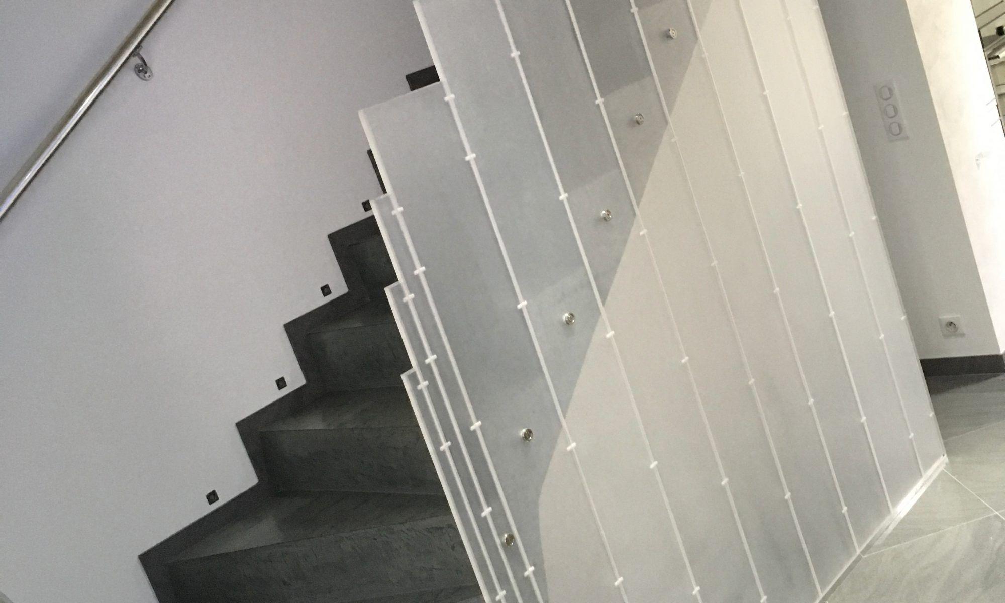 Protection Escalier Garde Corps Isolation Phonique Plexiglas
