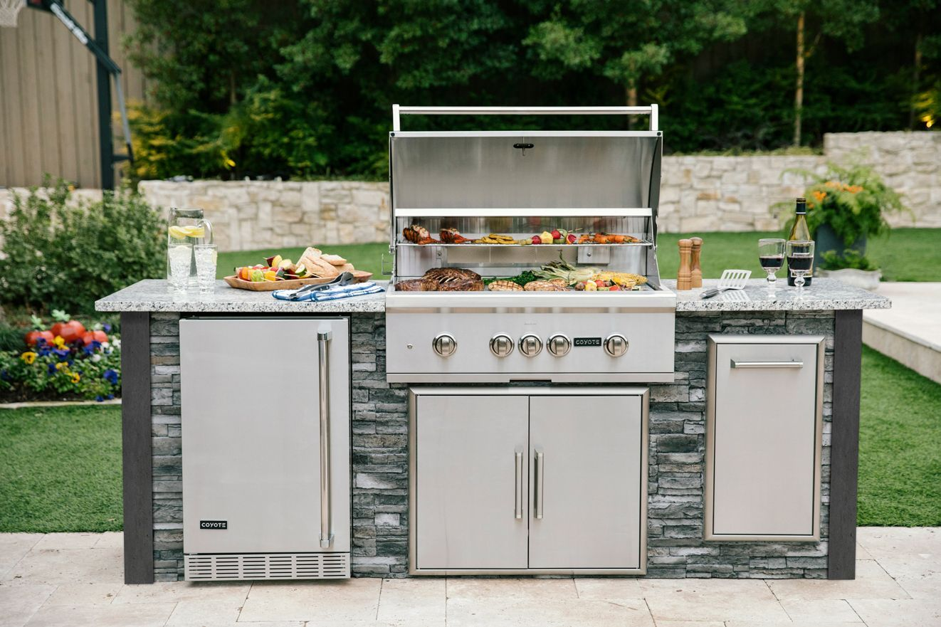 Stop Daydreaming About Grilling And Get Inspired To Create The Patio Of Your Dreams Starting In 2021 Outdoor Kitchen Appliances Outdoor Kitchen Outdoor Kitchen Island