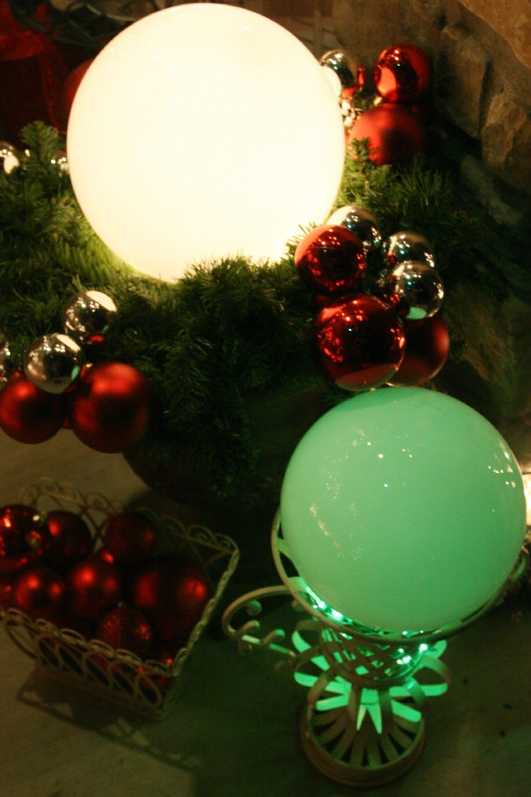 Adventures of a Busy Bee/ Christmas Decor. Using old thrift store ...