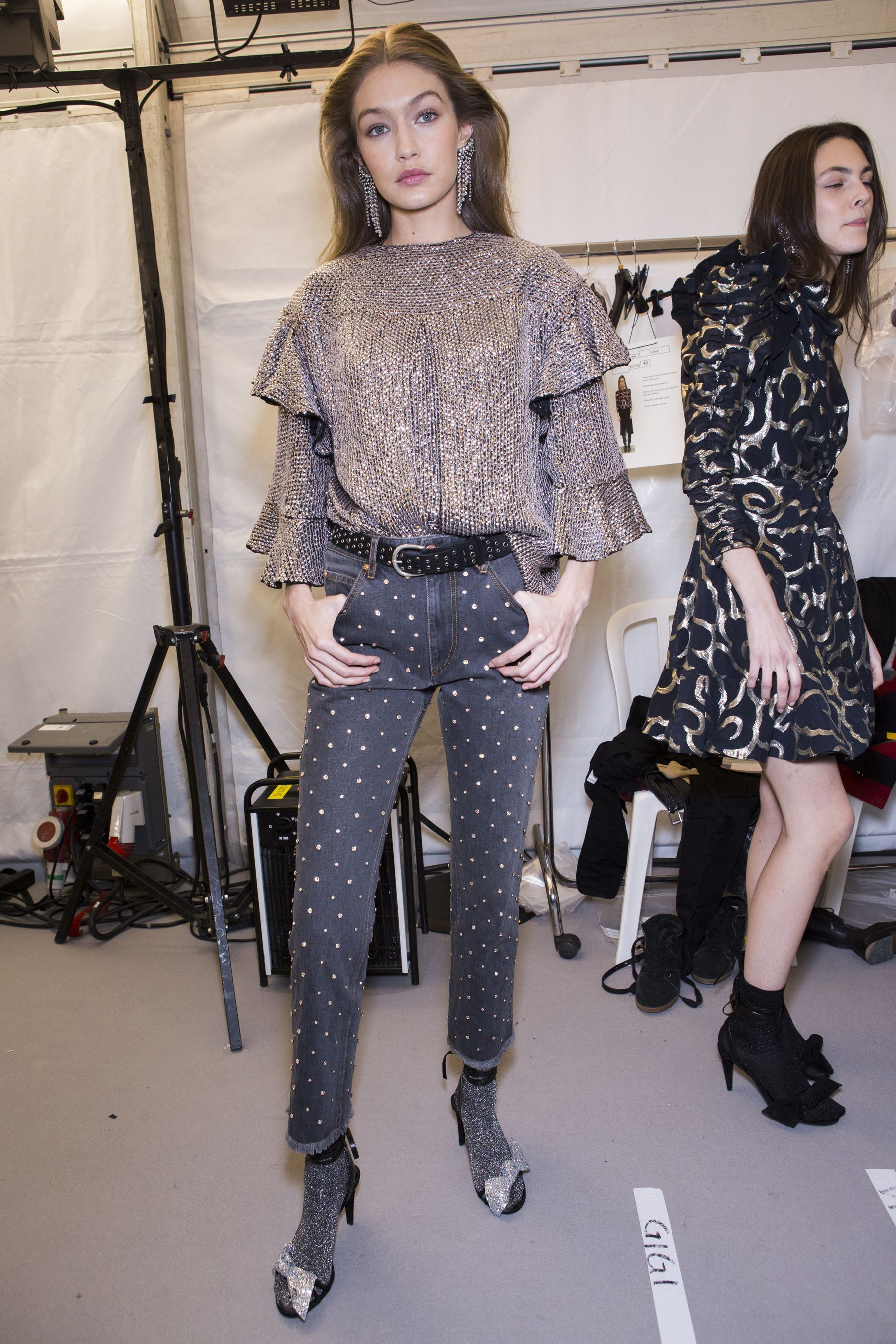 Sandi shared a backstage pic of some of the models at the Milan Fashion Week