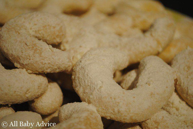 "Traditional Czech Xmas Cookies ""vanilla crescents"" ! Recipe"