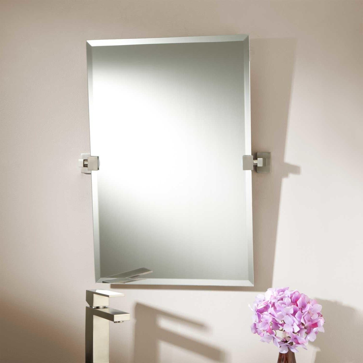 Bedroom, Light Up Mirrors Bathroom White Porcelain Vase With Plant ...