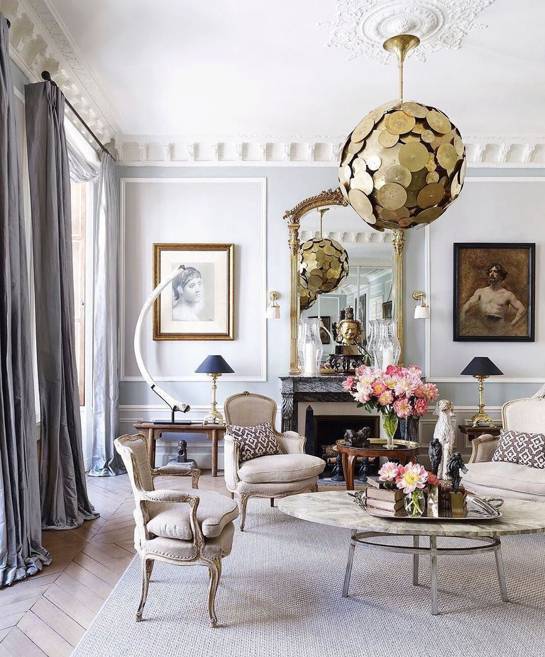 Step Inside The Living Room Of This Sophisticated Paris Pied A