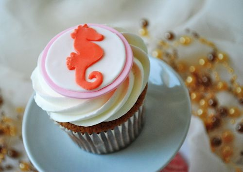 Fondant Sea horse cupcake topper from Edible Details Ocean theme