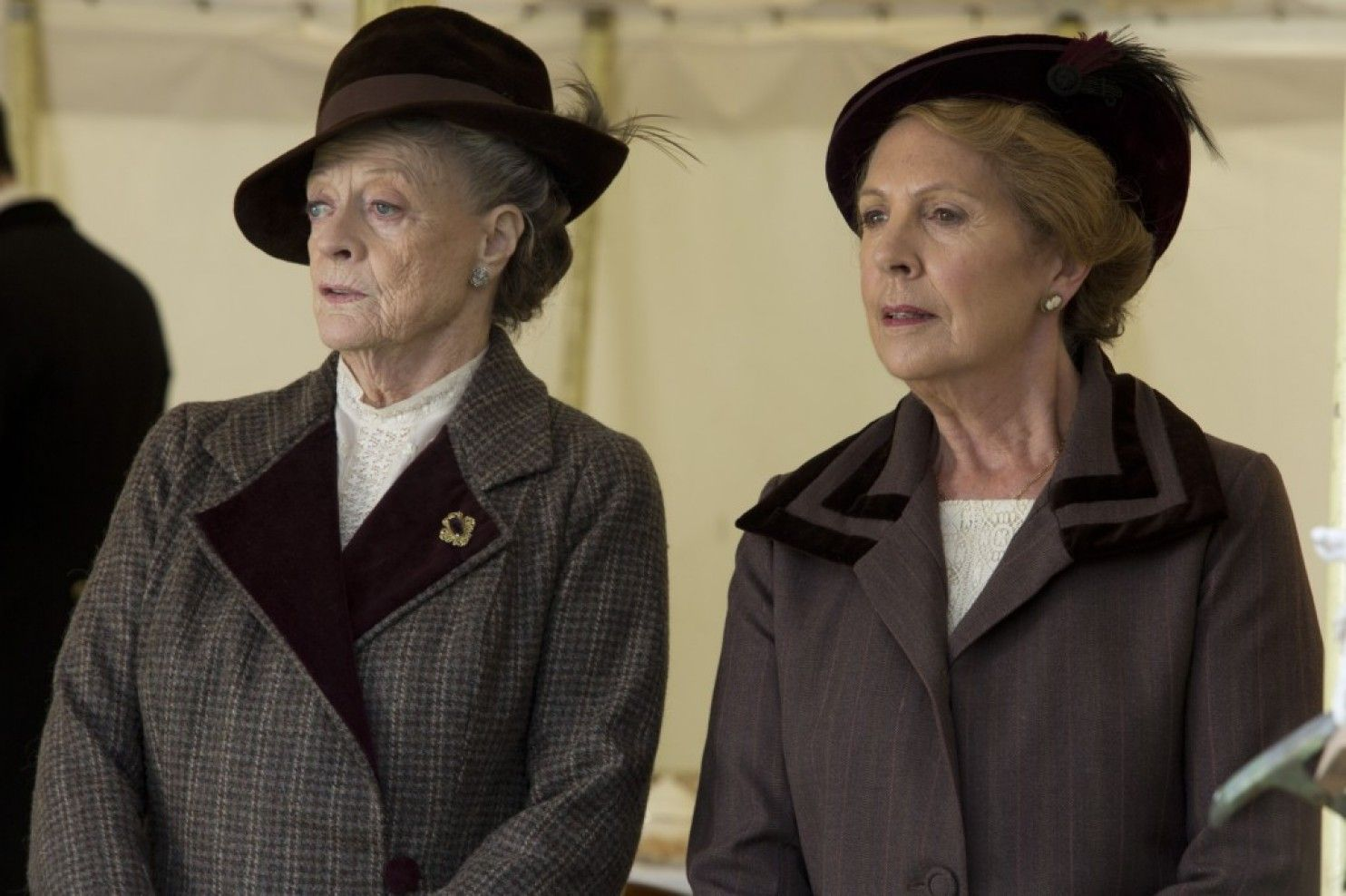 Maggie Smith as Violet, Dowager Countess of Grantham and Penelope Wilton as Isobel Crawley (DA, 2/8/15)