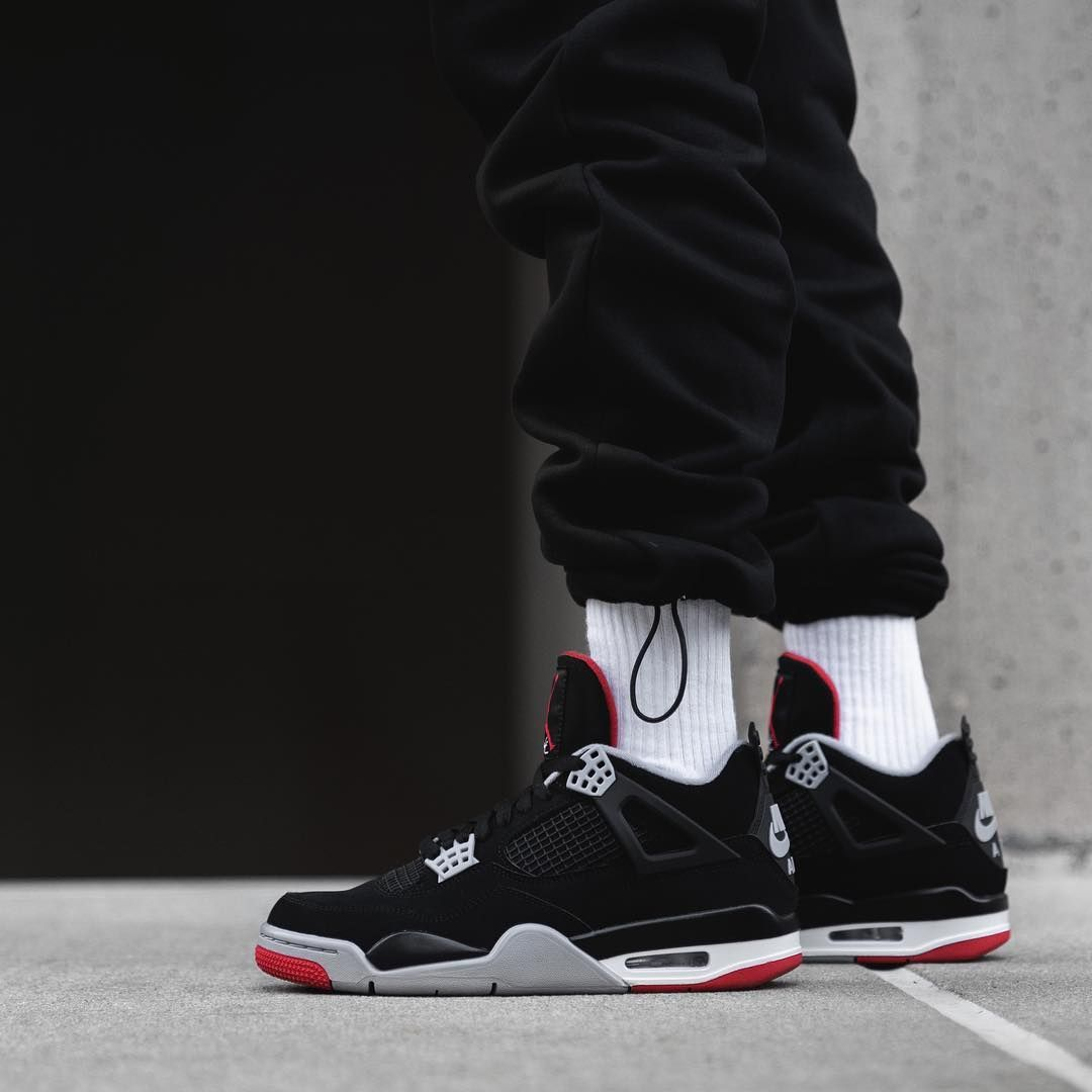 "de3249aa222 $200 USD, here's a look at the Air Jordan 4 ""Bred"" on feet ..."