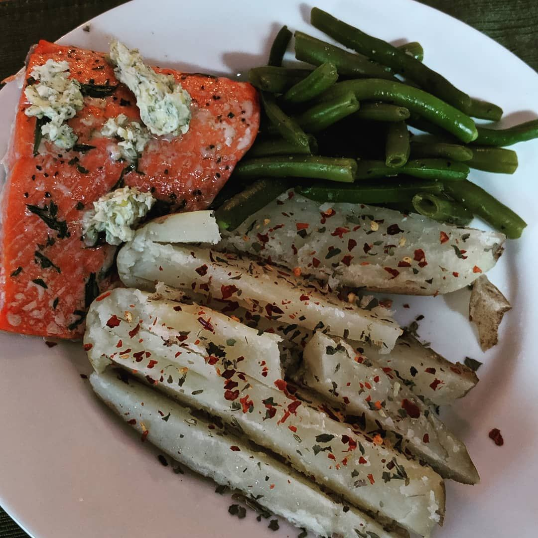 Chef Mama is cooking good tonight! Fish has lower calories and high protein making it a great option...