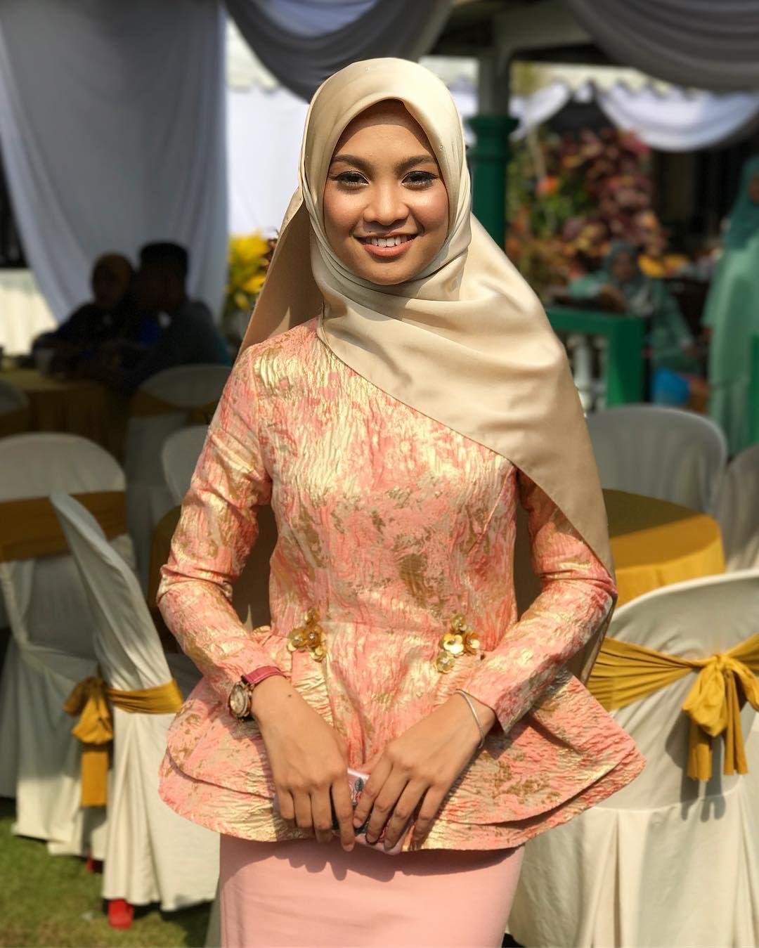 Pin by Tudung fashion on Artis Malaysia  Girl hijab, Hijab chic