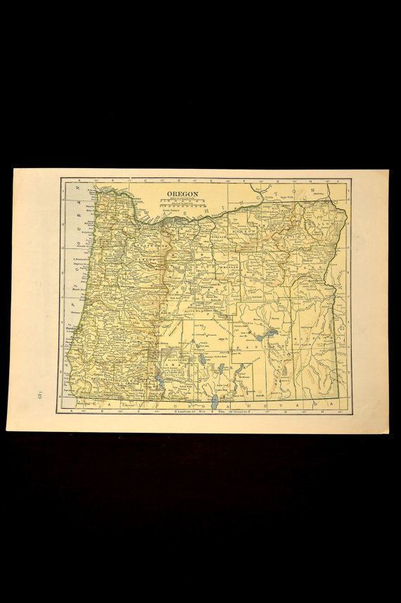 Oregon Map of Oregon Vintage Yellow Green