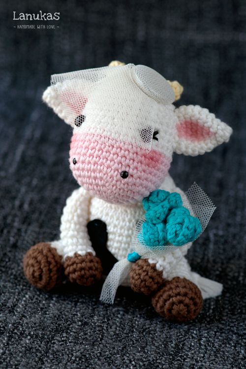 Sujeta Cortinas Vaca Crochet Amigurumi - $ 750,00 en Mercado Libre   750x500