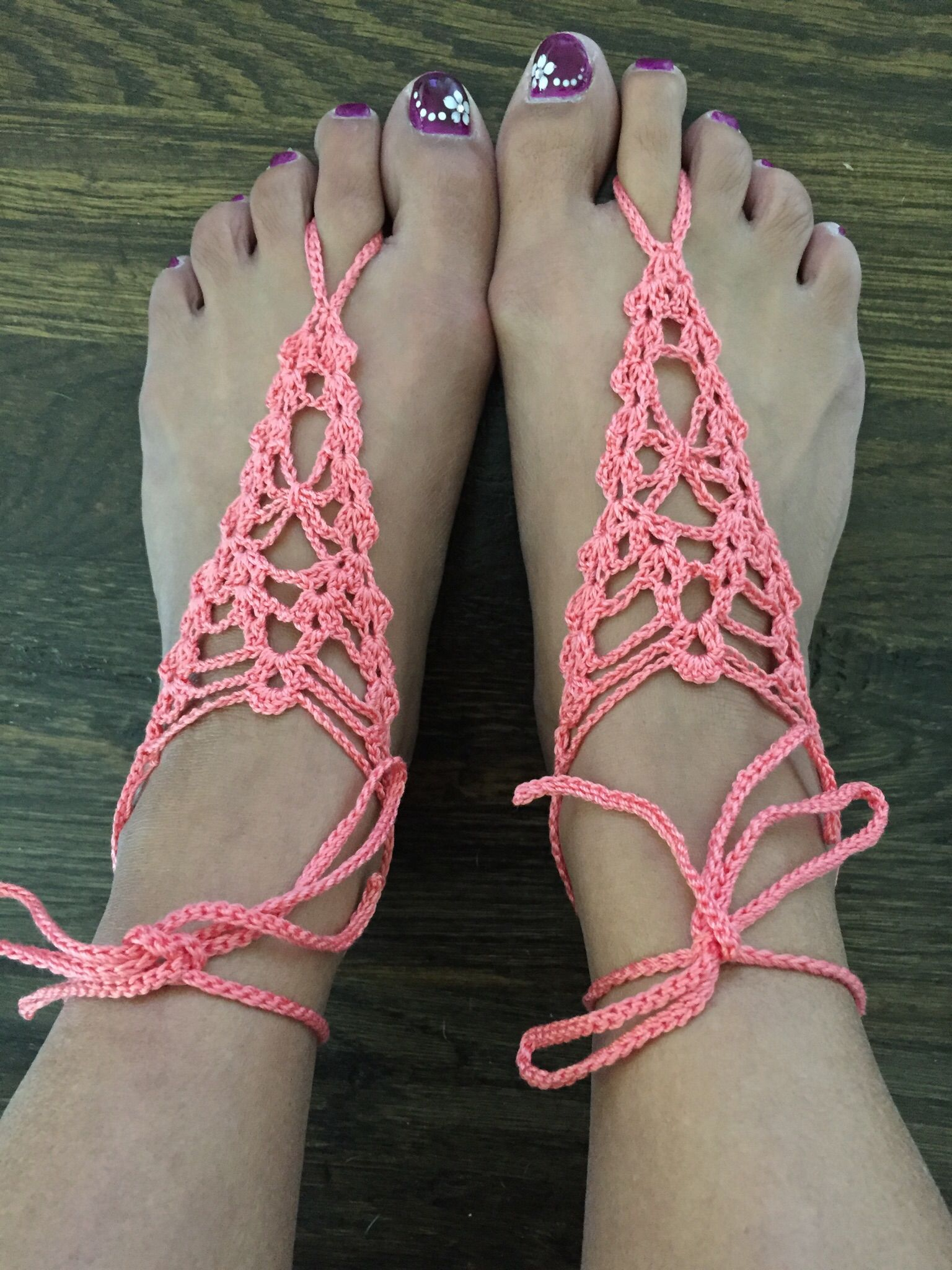 My attempt at Farrah Hodgson\'s pattern called Arachnid barefoot ...