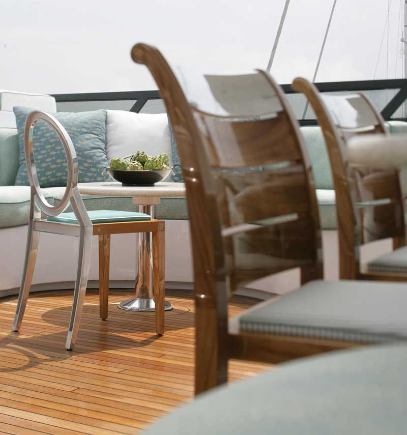 Sutherland. Robinwood Deluxe Collection By Phillip Stark #decoroom #outdoor  #furniture #collection