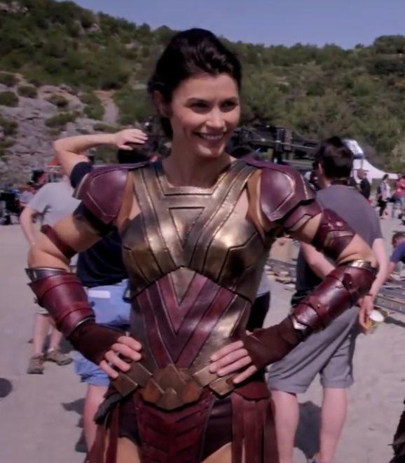 Pin By Emilie Warren On Wonder Woman In 2021 Warrior Woman Wonder Woman Amazon Warrior