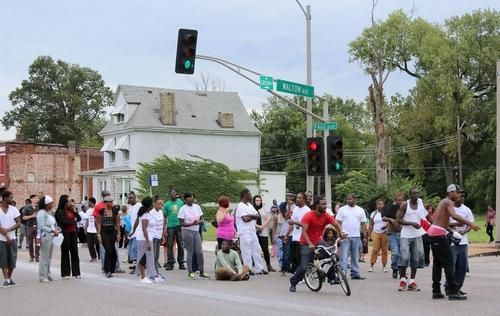 St Louis Police Shoot Kill Suspect During Home Search News The