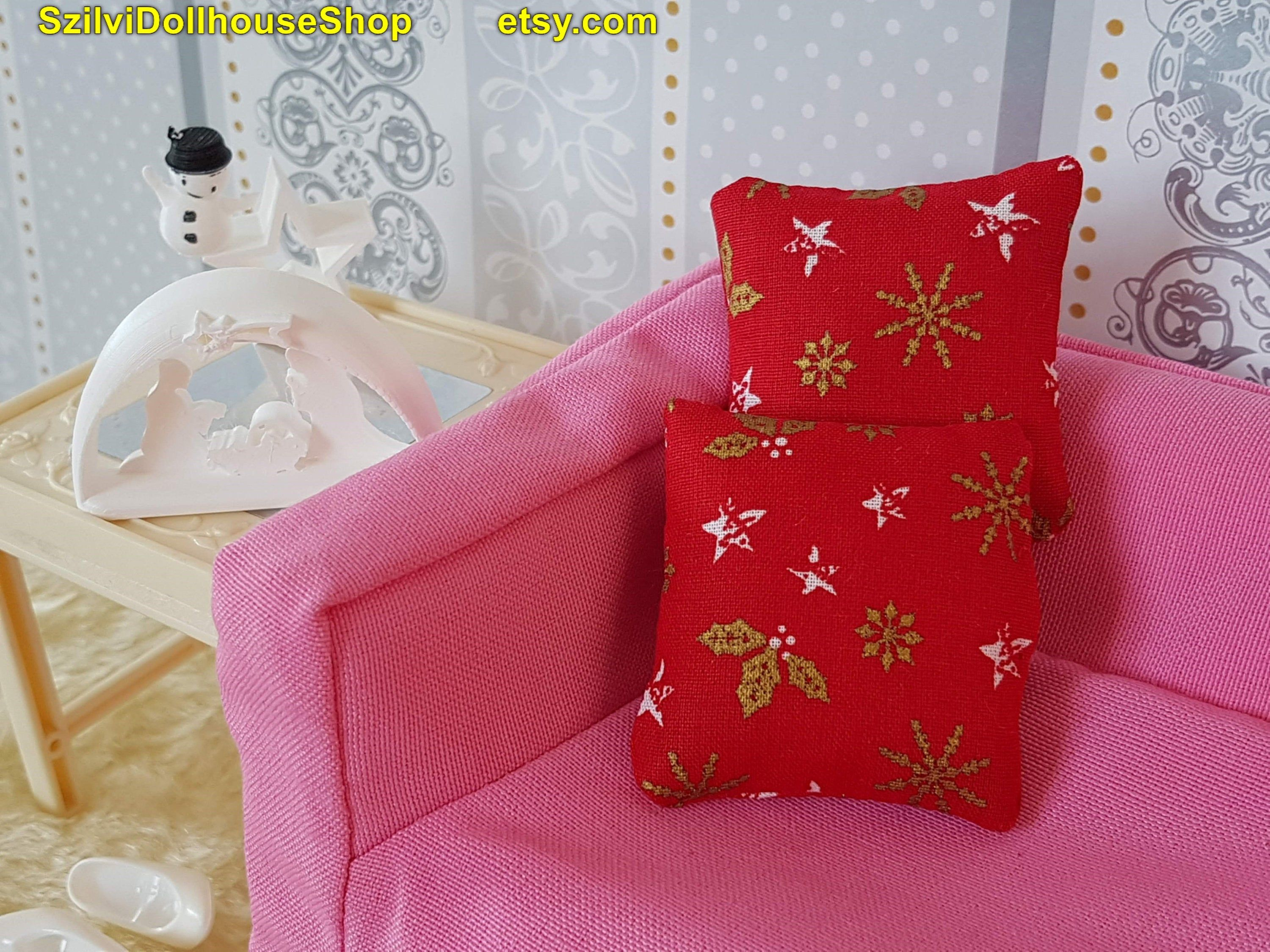 1pc Miniature Christmas pillow, cushion for doll like Barbie,Monster high,EAH, blythe, momoko, poppy parker. 1:12 scale dollhouse accessory. #dollhouseaccessories
