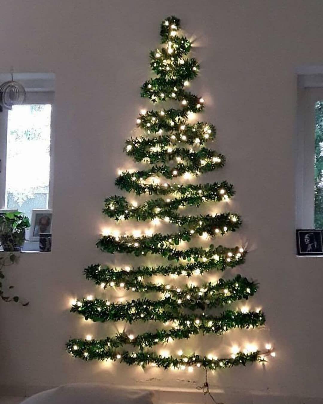 Essas árvores de Natal de parede são tão práticas, ficam lindas e são super  em cont… | Ideias de decoração de natal, Árvore de natal de parede, Diy  decoração natal