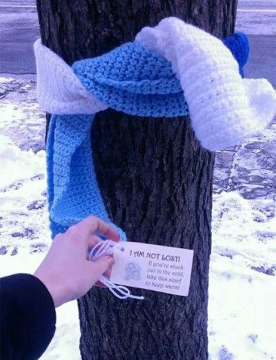 I'm not lost Scarf   such an awesome idea! | Acts of