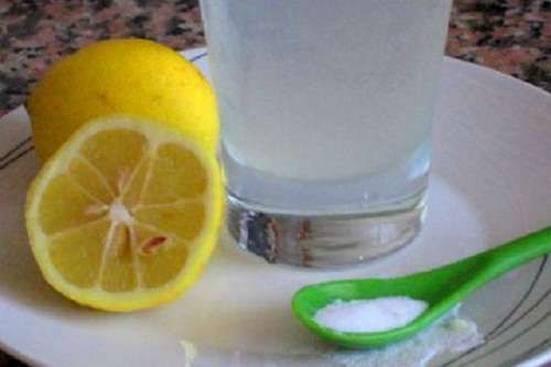 http://viverepiusani.com/3-modi-deliziosi-di-prendere-il-limone-la-mattina/
