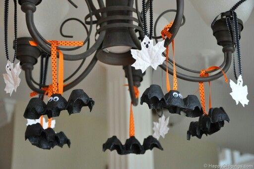 Spray paint leaves white. Use egg cartons for batsb